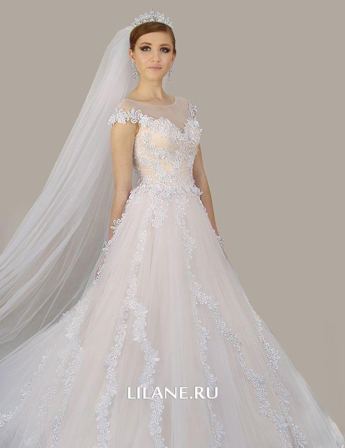 Кружево свадебного платья А-силуэт Kamil