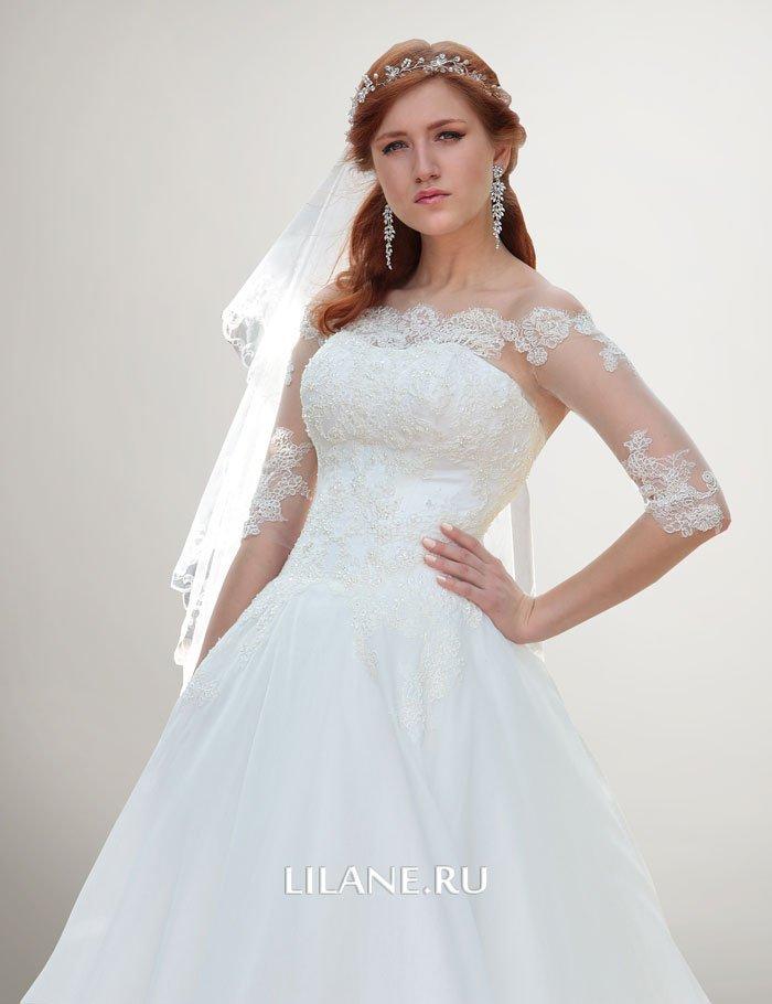 Кружевной декор корсета и юбки свадебного платья А-силуэт Leona