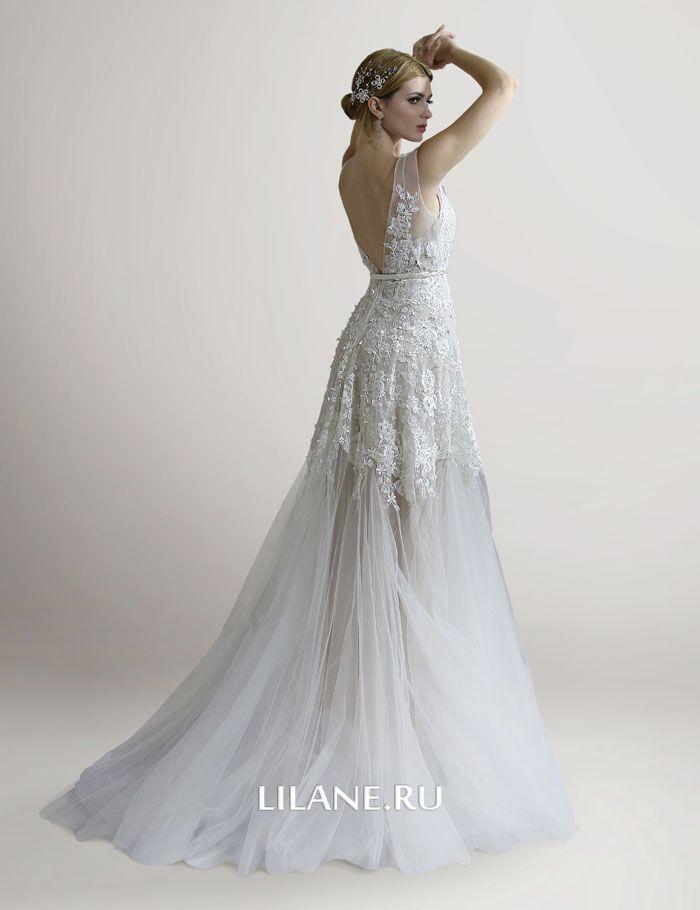 Глубокий вырез кружевного свадебного платья Adelia