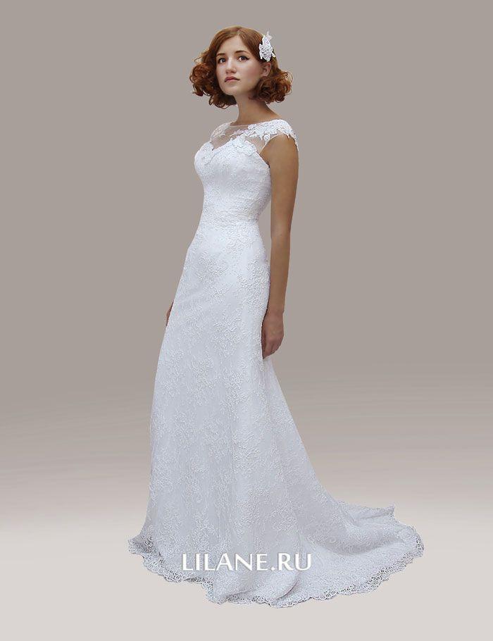 Небольшой шлейф кружевного свадебного платья Inaly