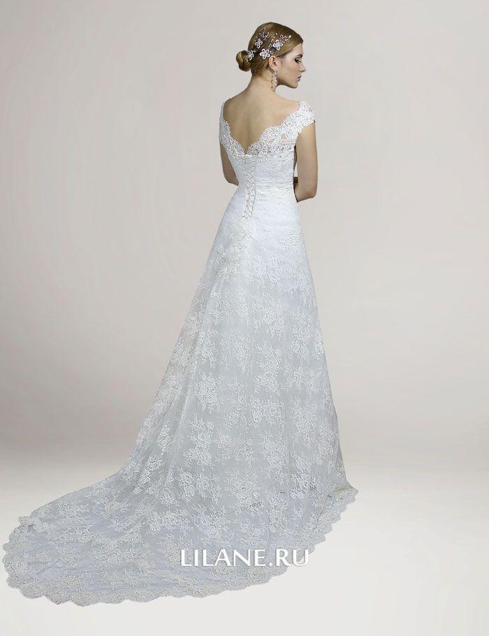 Шлейф и спинка кружевного свадебного платья Loren