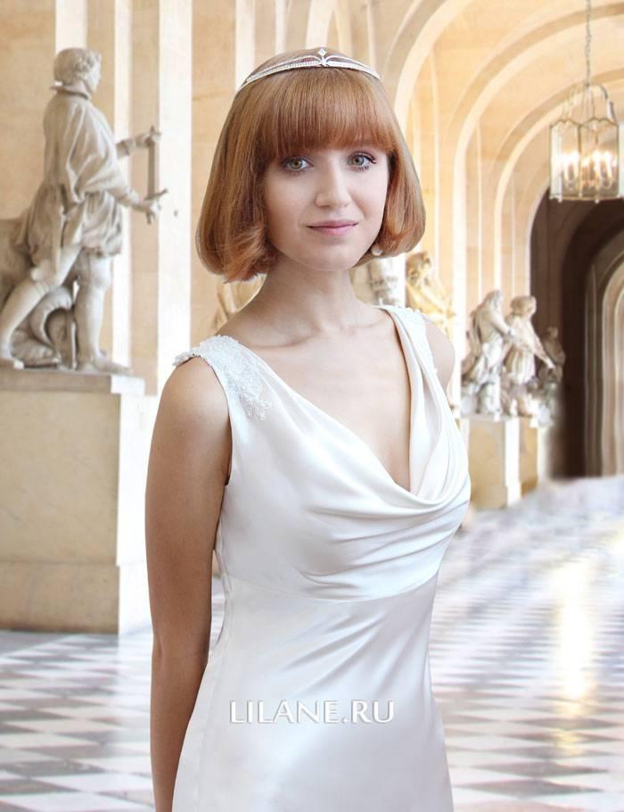Драпировка прямого шёлкового свадебного платья Claire