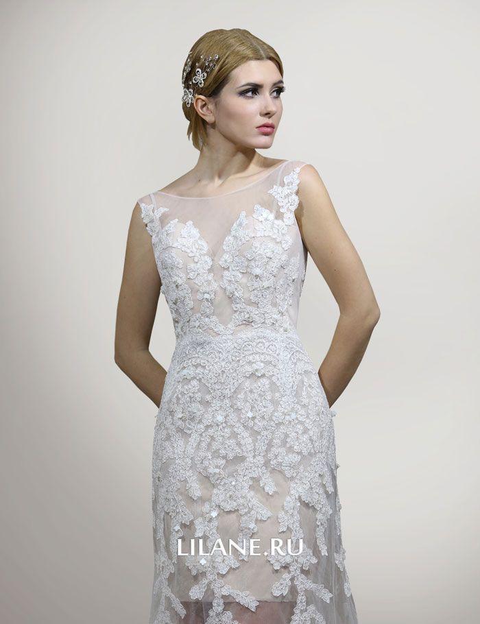 Полупрозрачная юбка и шлейф прямого свадебного платья Daniela