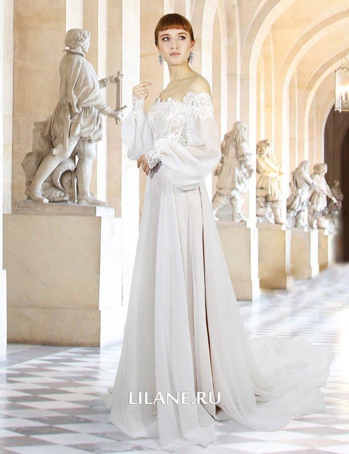 Объёмные рукава прямого свадебного платья Gertruda