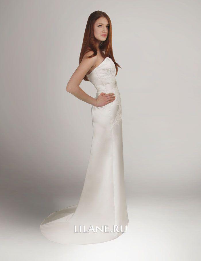 Небольшой шлейф прямого свадебного платья Molli