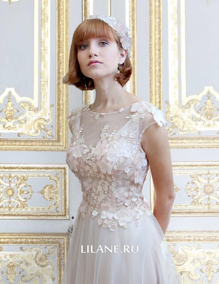 Нежные 3D цветы прямого свадебного платья Valentina