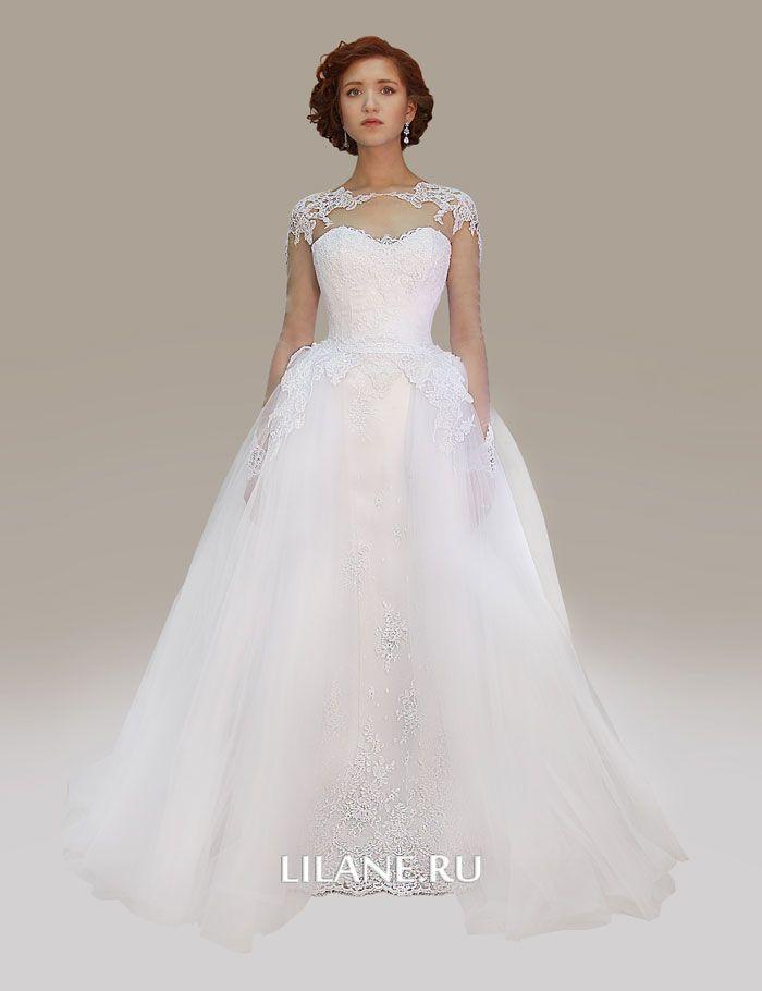 Пышное свадебное платье Alba белого цвета с рукавами.
