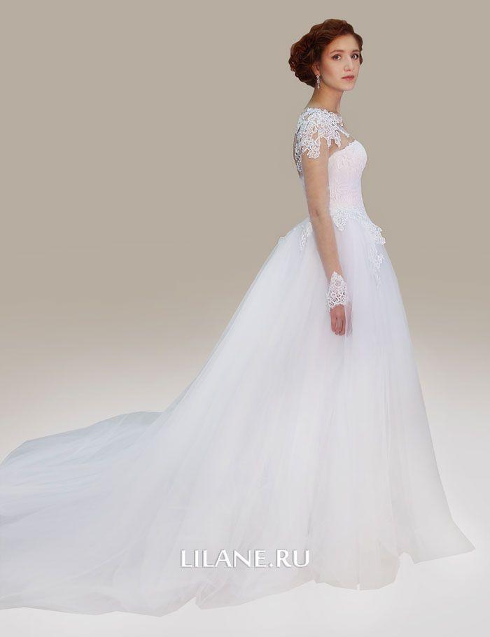 Шлейф с отстёгивающейся юбкой придаёт пышность свадебному платью Alba