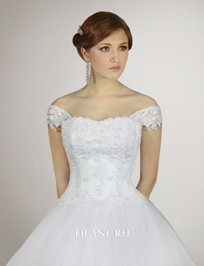 Кружевной корсет пышного свадебного платья Elen