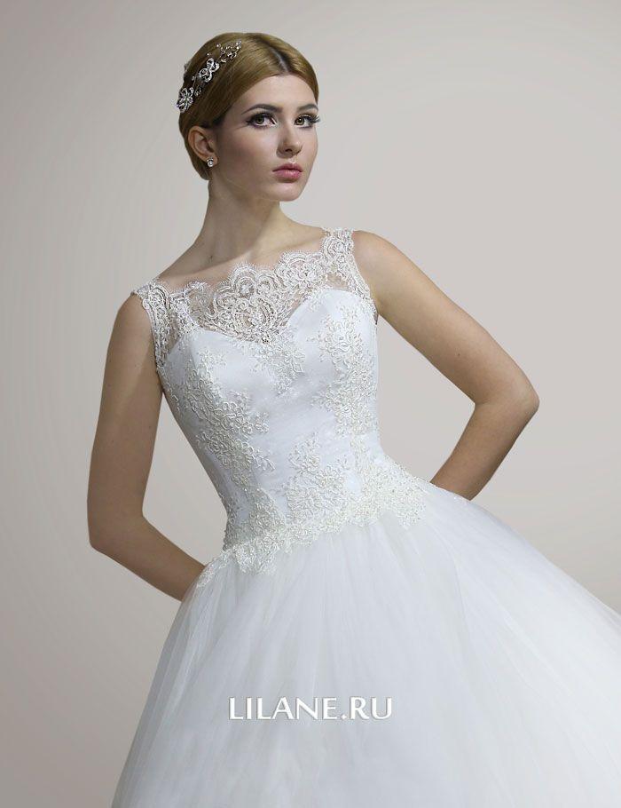 Бисер, пайетки и хрусталь кружевного лифа свадебного платья Elison