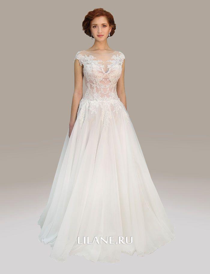 Пышное свадебное платье Elvira с закрытыми плечами цвета айвори