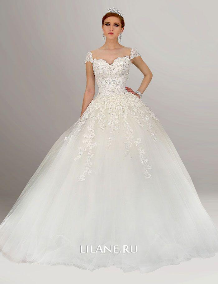 Кружево пышного свадебного платья Lara