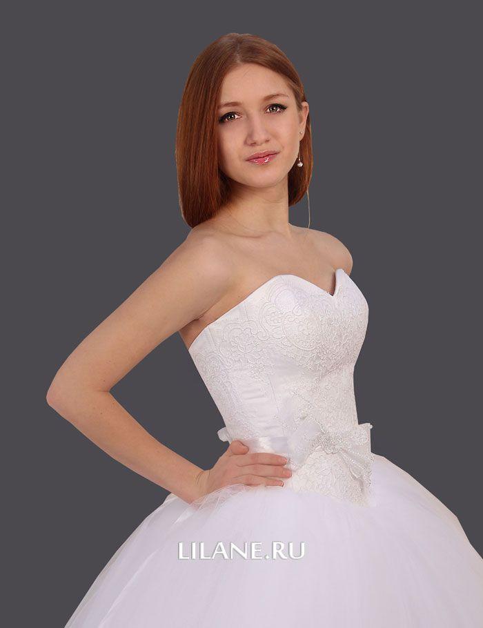 Корсет с заниженной линией талии пышного свадебного платья Merri