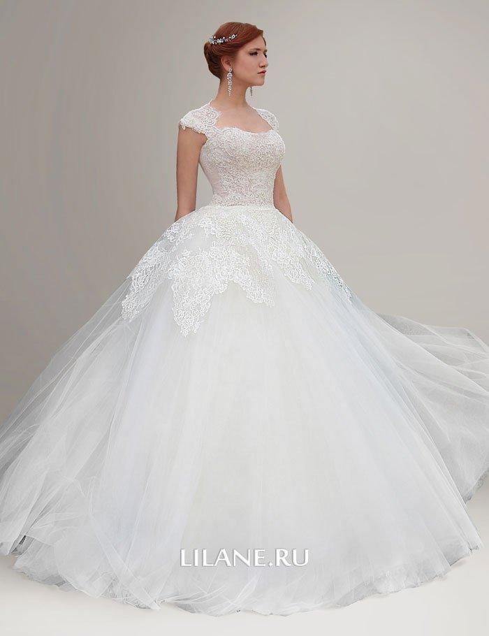Пышное кружевное свадебное платье Nora цвета айвори