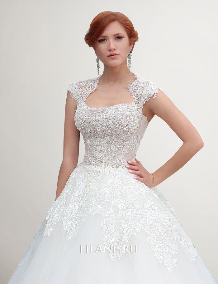 Кружево пышного свадебного платья Nora