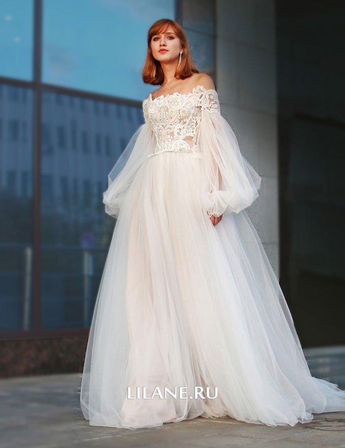 Кружевные рукава пышного свадебного платья Rozaliya