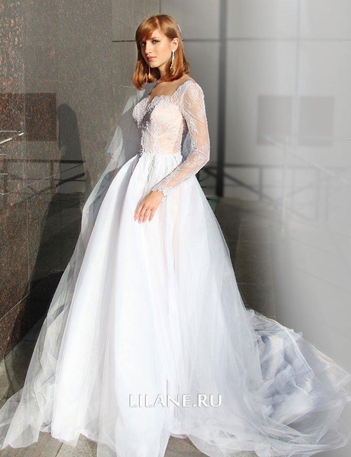 Пышная юбка со складками и шлейфом свадебного платья Valensiya