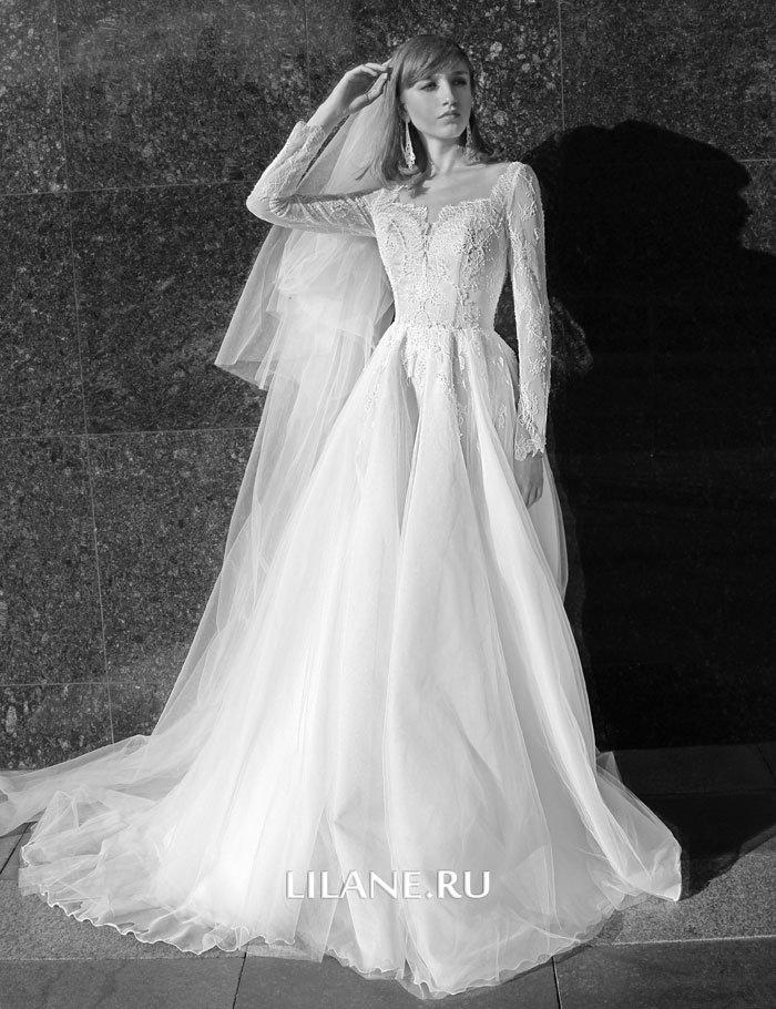 Фата пышного свадебного платья Valensiya